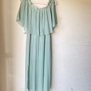 Zara pleated dress green off the shoulder